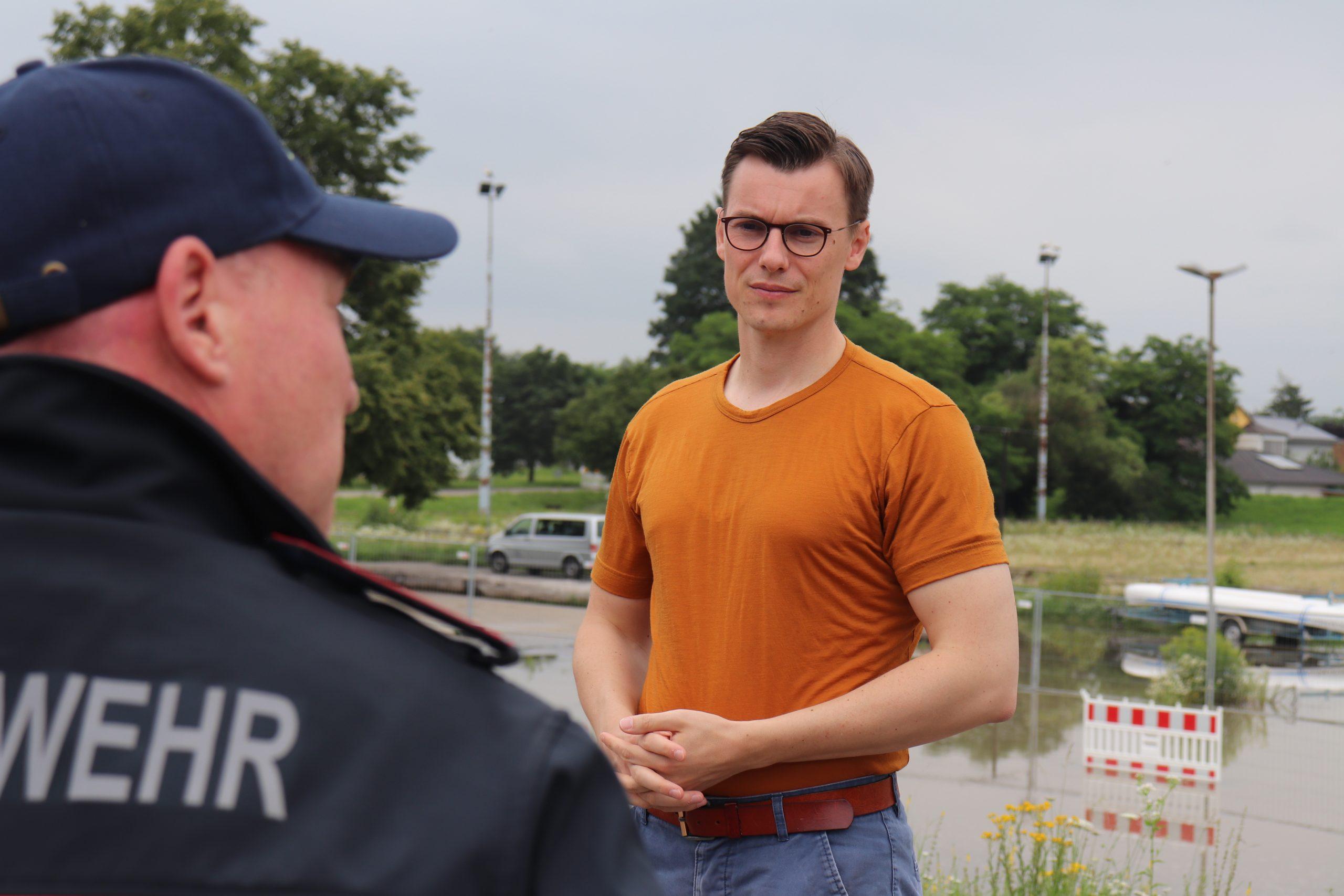 Kai Whittaker MdB und CDU informieren sich über Hochwasserlage